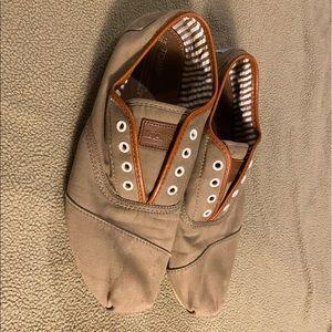 Men's Toms casual shoes